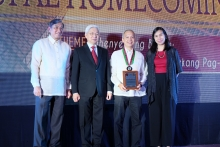 Dr. Luis G. Sison (BS EE' 91) of the UP EEEI received the Professional Degree Award for Electronics & Communication Engineering Award.